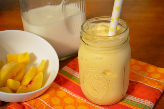 Mango Peach Smoothie {Recipe}