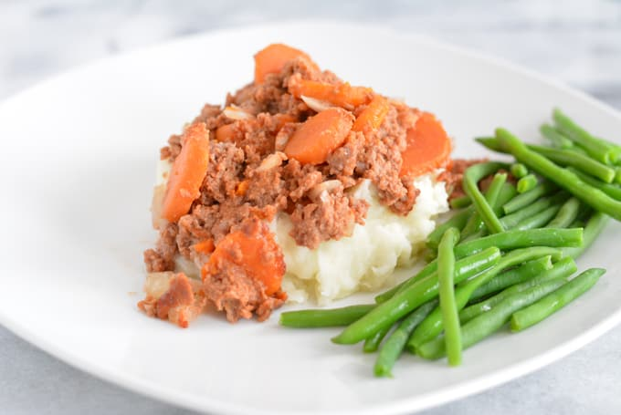 Beef and Carrot Casserole: 4 Ingredients and costs under $3 per serving. Rich in iron, vitamin A and C.