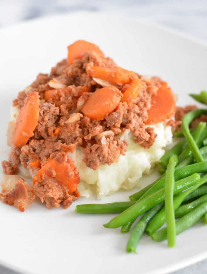 Beef with Carrot Casserole: 4 Ingredients and costs under $3 per serving. Rich in iron, vitamin A and C.